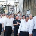 Hội đồng Giám mục Việt Nam đến thăm và tặng quà  cho giáo dân tại giáo họ An Lộc, giáo xứ Chính toà, Thanh Hoá