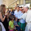 Đức Thánh Cha Phanxicô bất ngờ viếng thăm một trung tâm phục hồi chức năng ở Rôma