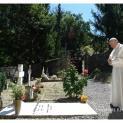 Đức Thánh Cha hành hương viếng mộ 2 linh mục Italia