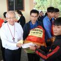 Cứu trợ nạn lũ lụt bên Việt Nam