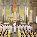Giáo Phận Nha Trang: Đức Cha Giuse Võ Đức Minh Truyền Chức Linh Mục Cho 19 Phó Tế