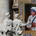Mẹ Têrêsa Calcutta – người gặp Chúa nơi người nghèo và đau khổ
