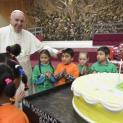 """Lời chúc sinh nhật gởi đến Đức Phanxicô: """"Chúng con hãnh diện về cha"""""""