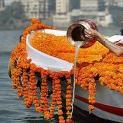 Có được phép đem tro người chết thả ngoài sông, hồ hay biển được không?