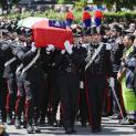 Truyền thông Tòa Thánh bày tỏ lòng thương tiếc trước cái chết của một sĩ quan cảnh sát, một tín hữu phi thường