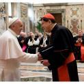 Đức Thánh Cha kêu gọi tìm giải pháp cho nạn tu sĩ bỏ dòng