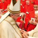 Đức Benedict XVI sẽ tham dự nghi lễ Mở Cửa Năm Thánh tại đền thờ thánh Phêrô