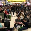 Bịp bợm kinh hoàng: 11 giáo phận Mễ Tây Cơ bị lừa, 400 bạn trẻ WYD lang thang ở phi trường
