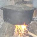Ba trụ đầu rau nấu bếp